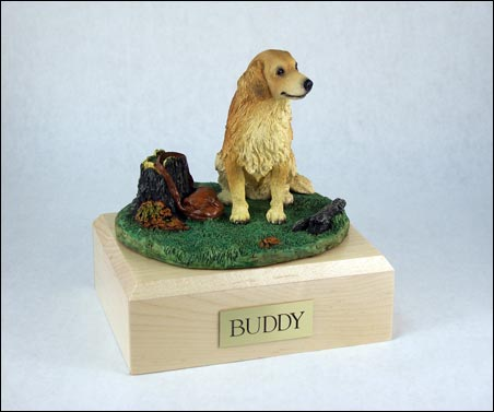 Dog, Golden Retriever w/stump - Figurine Urn