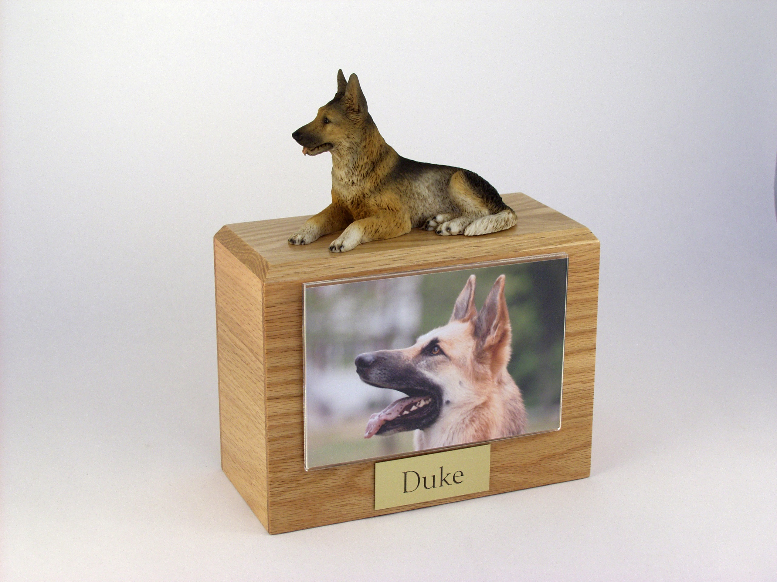 Photo Urn with Figurine - X- Large- 4 x 6  photo holder